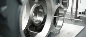 Ausmessen eines Getriebegehäuse auf der Koordinatenmessmaschine