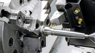 Bearbeitung einer Welle auf einer CNC-Drehmaschine