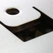 Kantenverrundung wird auf einer Blechentgratmaschine angebracht.